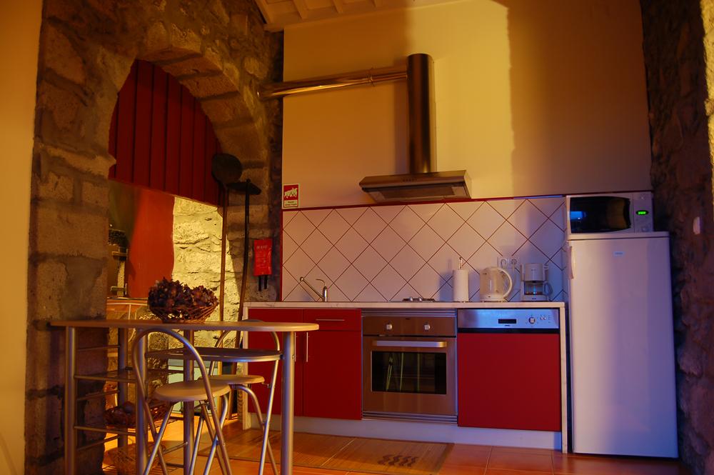Casa-da-Fonte,-the-kitchen-.jpg