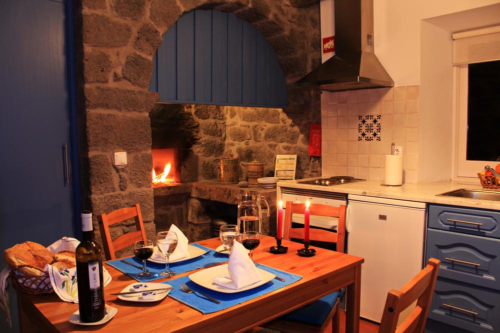 Casa-da-Talha,-kitchen.jpg