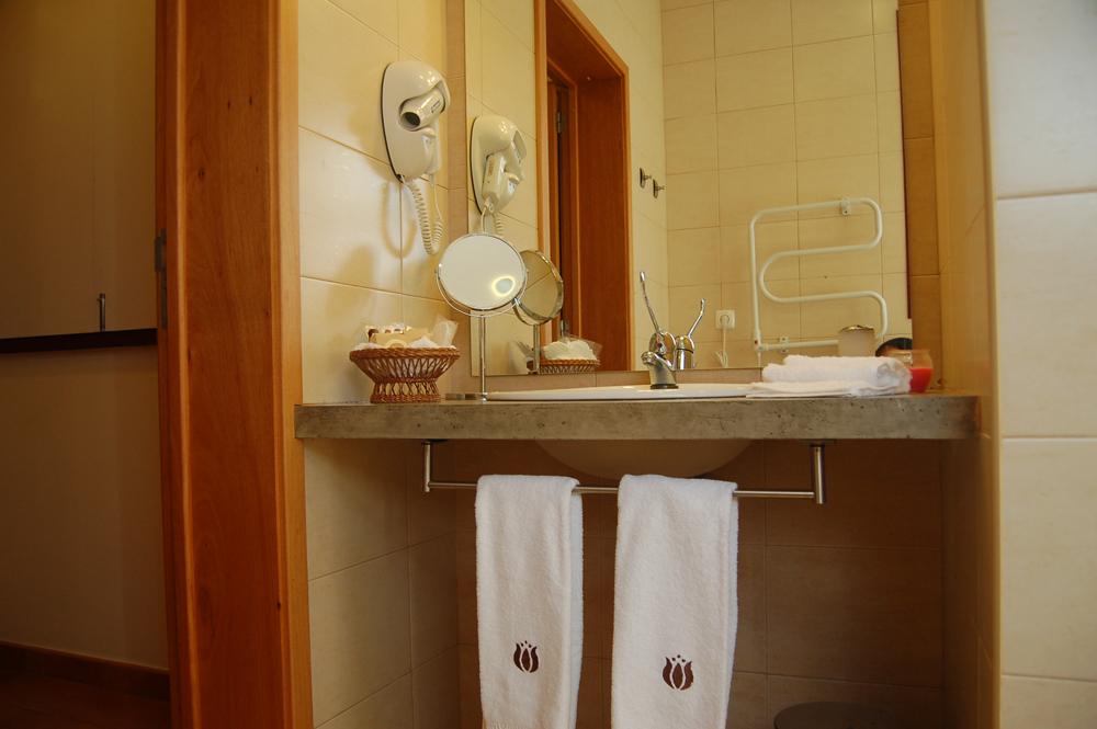Casas-do-Ptio,bath.jpg