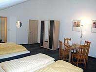 Zimmer2-SZ2-neu.jpg