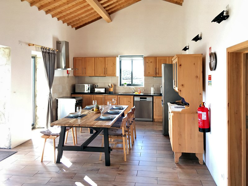 bv2-kueche-kitchen-azoren-1.jpg