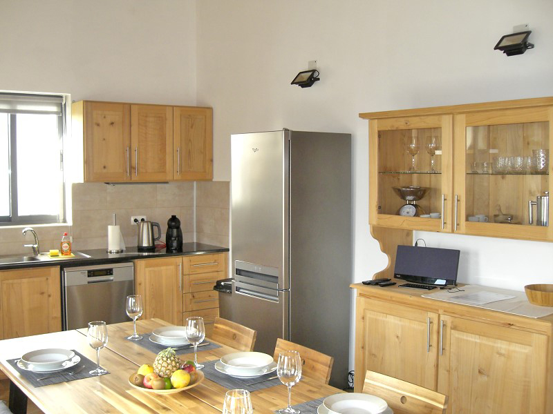 bv2-modern-kitchen-1.jpg