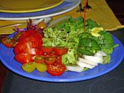 Im Casa do Rei gibt es noch einen echten Salatteller, Flores-Azoren