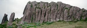Auf Flores, Azoren, sieht man noch sehr deutlich die unterschiedlichen vulkanischen Felsformationen